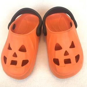 Crocs-style kids shoe • size 10 (Toddler) • Unisex